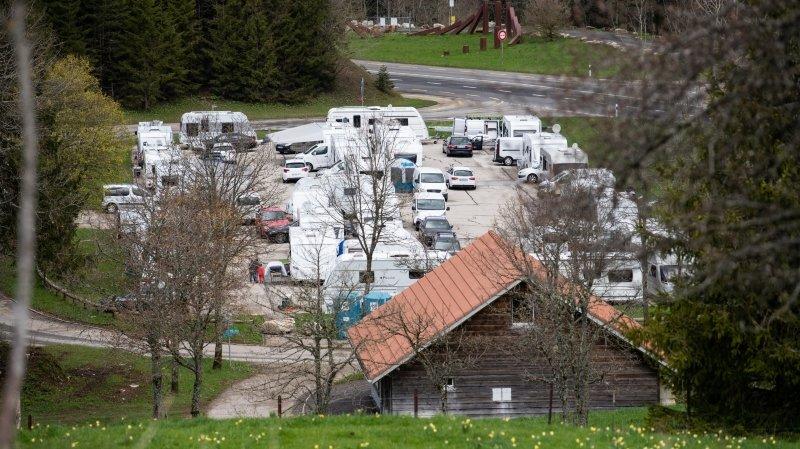 Des gitans s'invitent à La Vue-des-Alpes et bousculent le gouvernement neuchâtelois