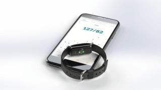 Tension artérielle: le bracelet neuchâtelois d'Aktiia en vente sur le marché suisse