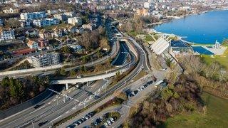 Neuchâtel: il tamponne la voiture arrêtée devant lui, une blessée légère