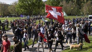 Coronavirus: environ 1500 manifestants à Aarau contre les mesures