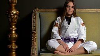 Jiu-jitsu brésilien: Charlyne Marzo, la résilience scarifiée au poignet