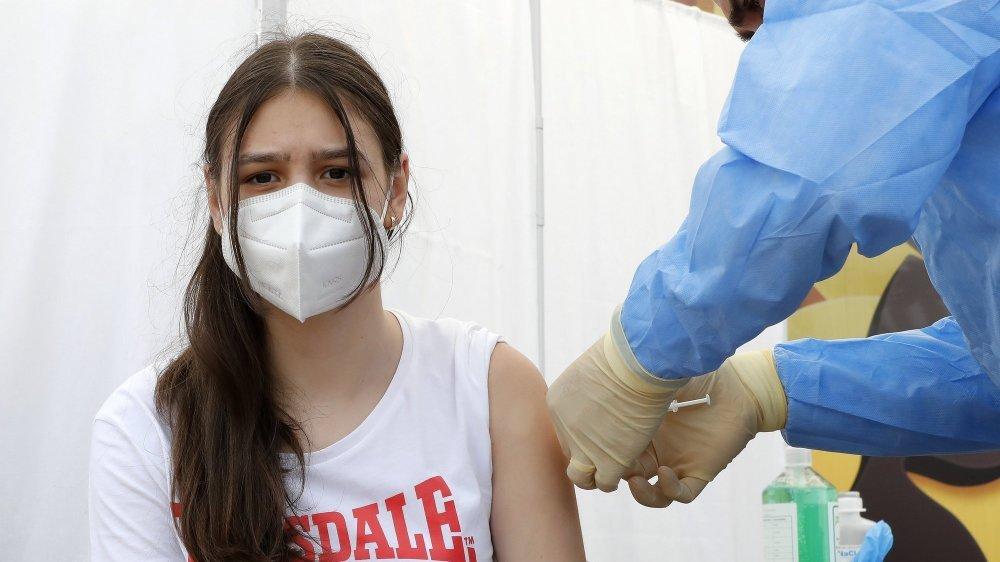 Les jeunes de 12 à 15 ans pourront prochainement se faire vacciner contre le Covid-19 dans le canton de Neuchâtel (image d'illustration).