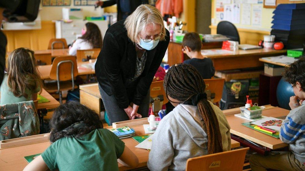 """Pour la bénévole retraitée Frédérique Steiger, être au contact des écoliers est """"un enrichissement perpétuel""""."""