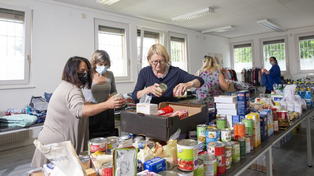 Les dons, conséquents, ont été rassemblés dans une salle de réunion, au centre de Cressier.