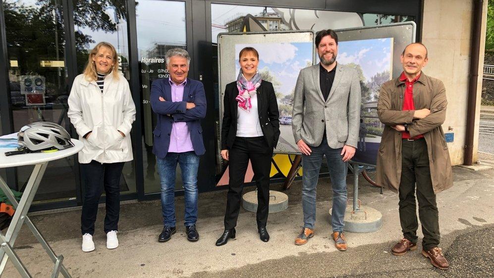 Les membres du Conseil communal de Neuchâtel ce samedi à Serrières.