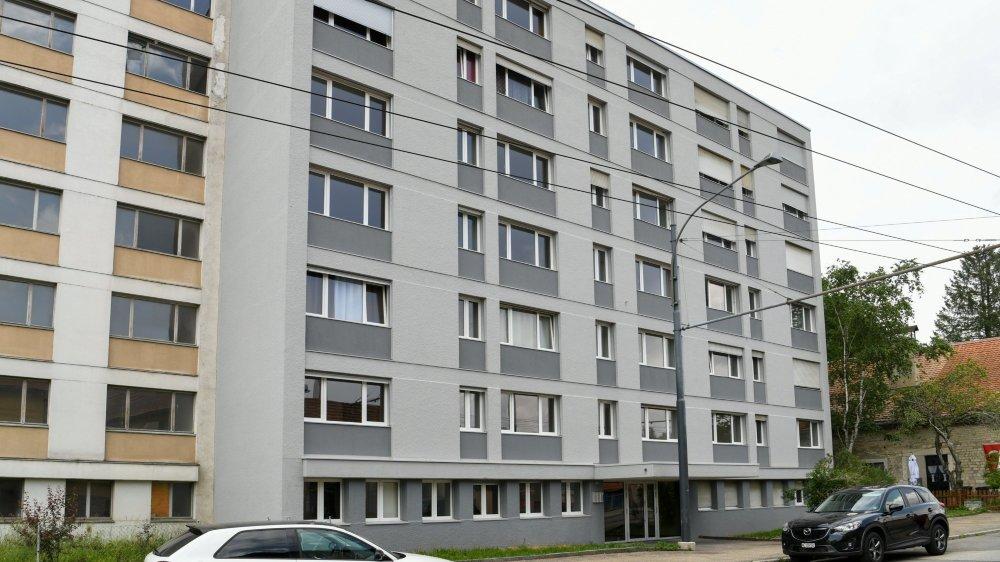 La Chaux-de-Fonds: un projet de 65 logements neufs était en cours dans ces deux immeubles de la rue de la Charrière vendus aux enchères.