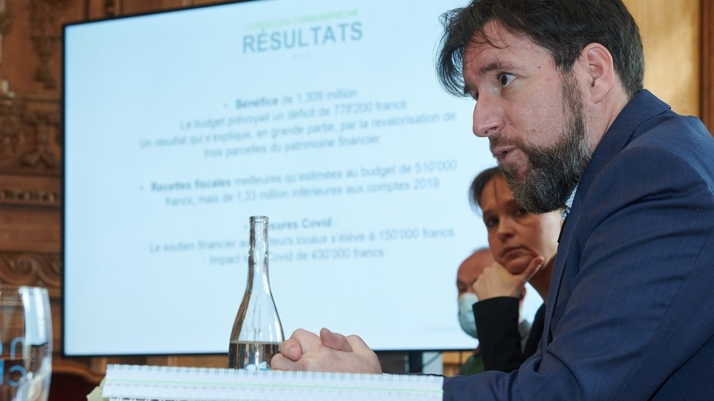 Le conseiller communal Didier Boillat, qui est en charge des finances, lors de la conférence de presse.