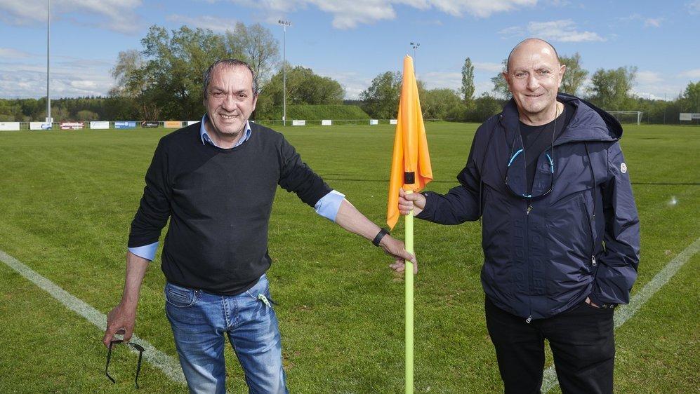 Antonio Montemagno (à gauche) et Sylvio Bernasconi devant le BEG Stadium.