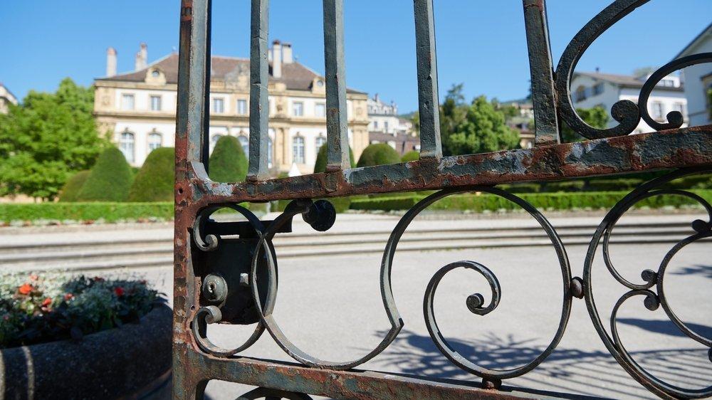 Le fer forgé laqué du portail d'entrée de l'hôtel DuPeyrou nécessite lui aussi une restauration.
