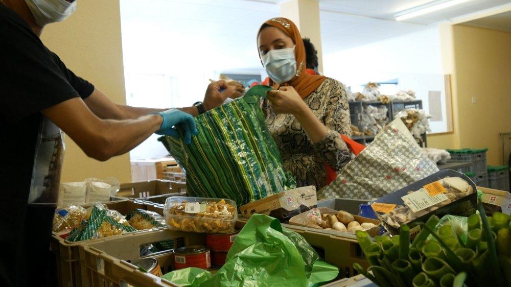 Le documentaire met en lumière Florian, qui s'investit pour le Collectif Partage, une association solidaire de distribution alimentaire.