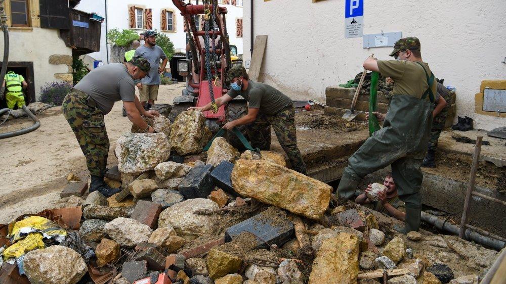 L'armée a été appelée en appui pour réaliser les travaux de sécurisation du Ruhaut après les inondations du 22 juin.