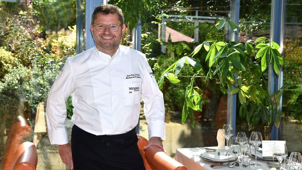 Jean Yves Drevet vous accueille dans un écrin de verdure à la Maison du Prussien à  Neuchatel. depuis 2006.