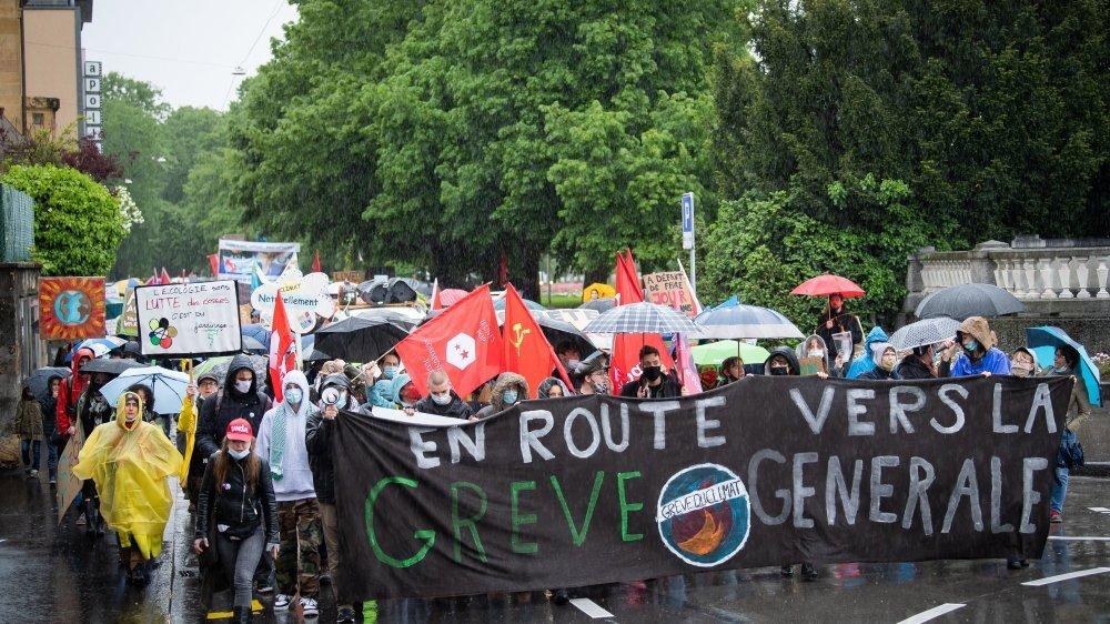 Les manifestants ont dénoncé de nombreuses injustices: réchauffement climatique, inégalités sociales, violences faites aux femmes ou encore accueil des réfugiés.