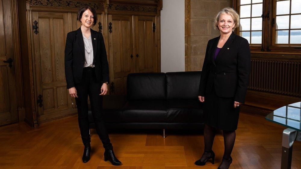 Les nouvelles conseillères d'Etat Crystel Graf et Florence Nater, quelques minutes avant de prêter serment.