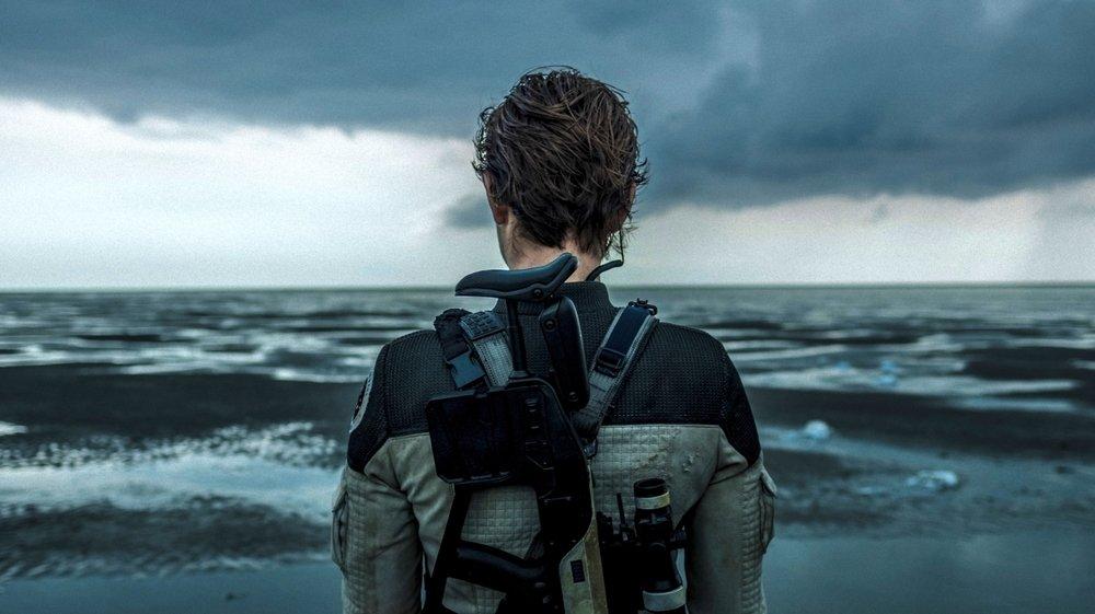 L'astronaute Blake (Nora Arnezeder) débarque sur une Terre devenue invivable…