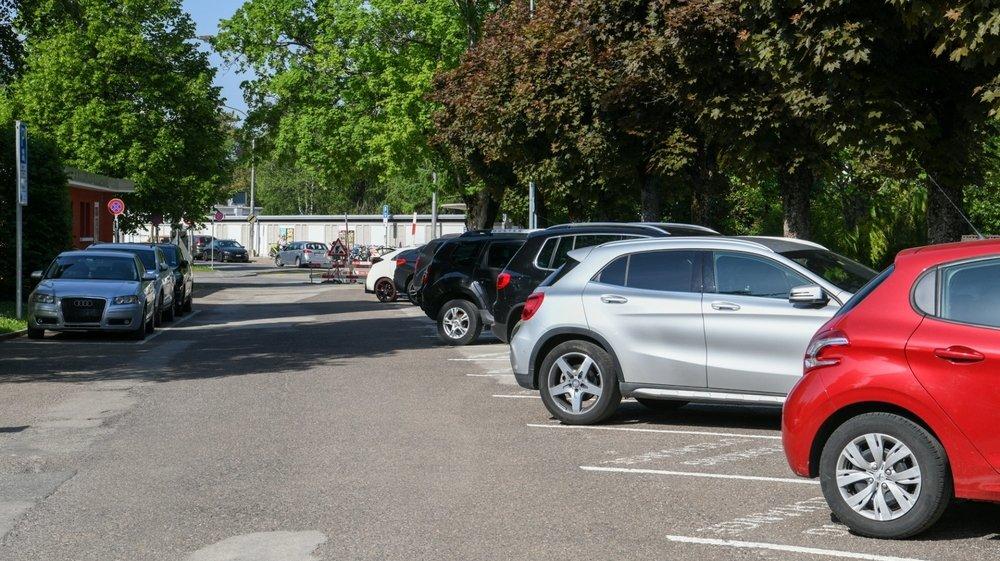 Avec la nouvelle politique de stationnement, les places de parc proches de la piscine sont moins nombreuses.