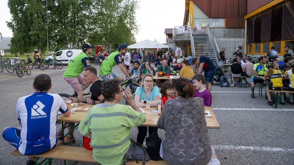 Tant durant l'après-midi avec les enfants que le soir avec les adultes, l'affluence est restée limitée sous la petite tente montée par l'Union sportive Les Ponts-de-Martel.