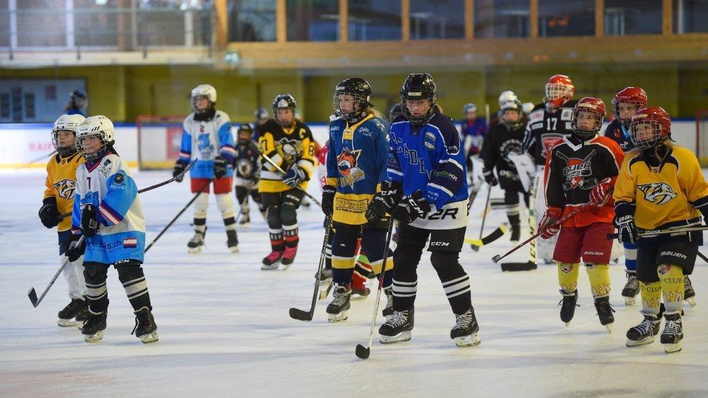 La journée a été chargée pour les jeunes hockeyeuses samedi 26 juin à Fleurier.