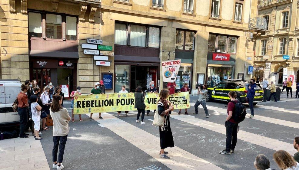 Tout comme lors de l'audience du 17 mai, des sympathisants sont venus ce vendredi soutenir les prévenus devant le tribunal.