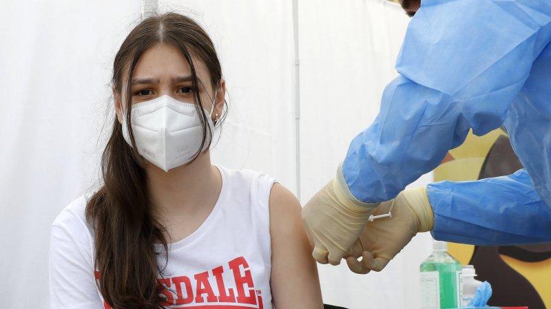 Covid-19: un ado peut-il se faire vacciner sans l'accord de ses parents?