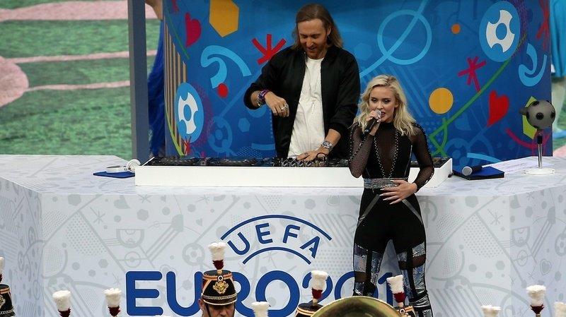 Le DJ David Guetta et la chanteuse suédoise Zara Maria Larsson ont composé la chanson de l'Euro 2016.