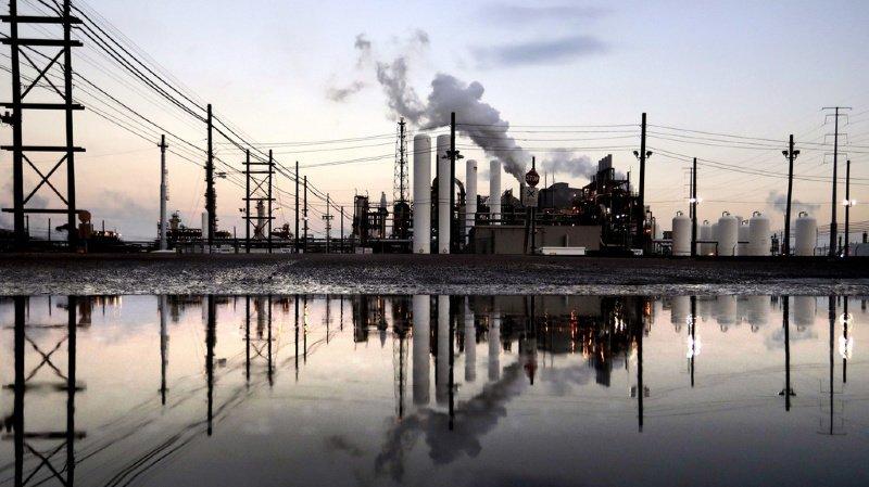 Plus d'un tiers des avoirs est placé dans des activités jugées critiques et notamment dans le charbon et le pétrole.