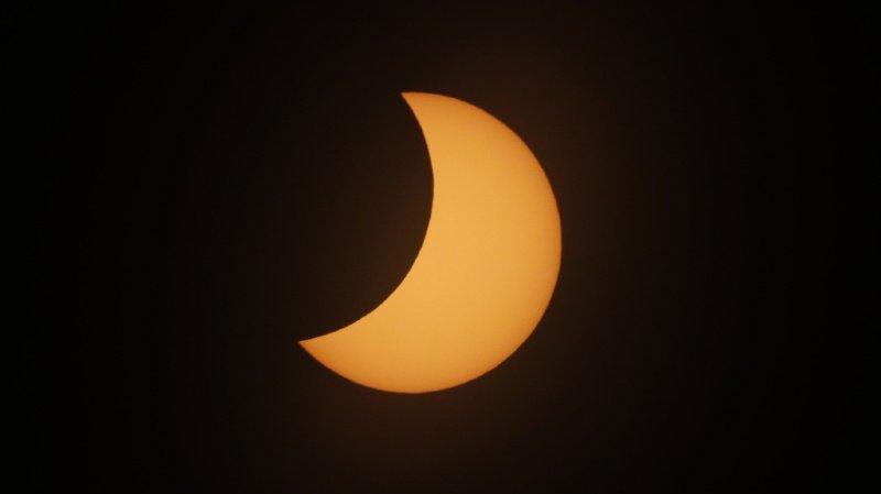 Astronomie: une petite éclipse solaire est attendue jeudi