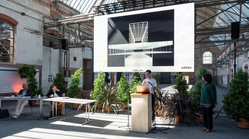 Les architectes zurichois Marco Neri et Cristina Gonzalo Nogués, à la conférence de presse de Viteos ce mardi aux Anciens Abattoirs de La Chaux-de-Fonds.