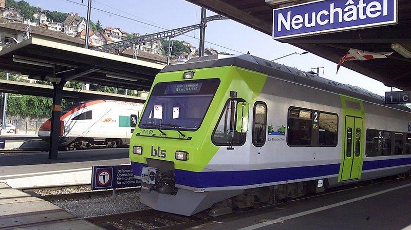 Les trains touchés sont les rames Nina (ici dans leur ancienne livrée, en 2001).