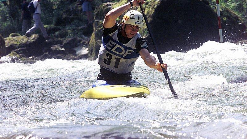 Les kayakistes, ici lors d'une épreuve de Coupe de monde à Goumois, pourront plus facilement pratiquer leur sport sur le Doubs en été.