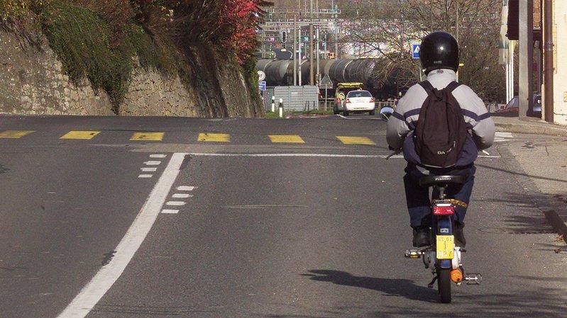 Cyclomotoriste blessé à Neuchâtel
