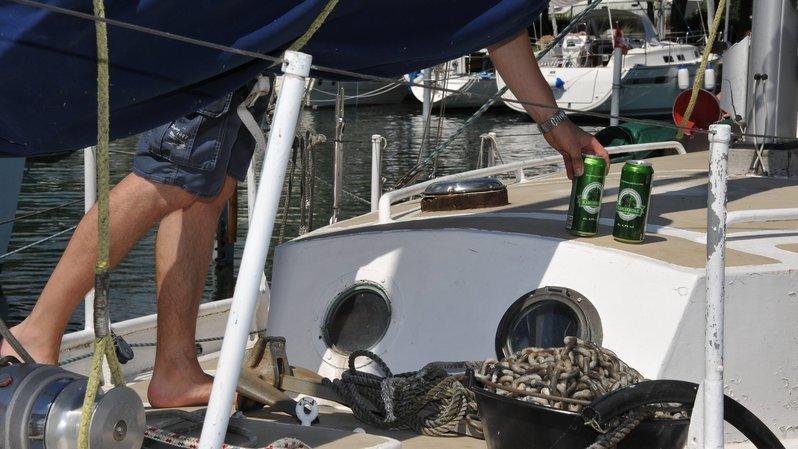 Neuchâtel: il naviguait ivre dans une zone interdite