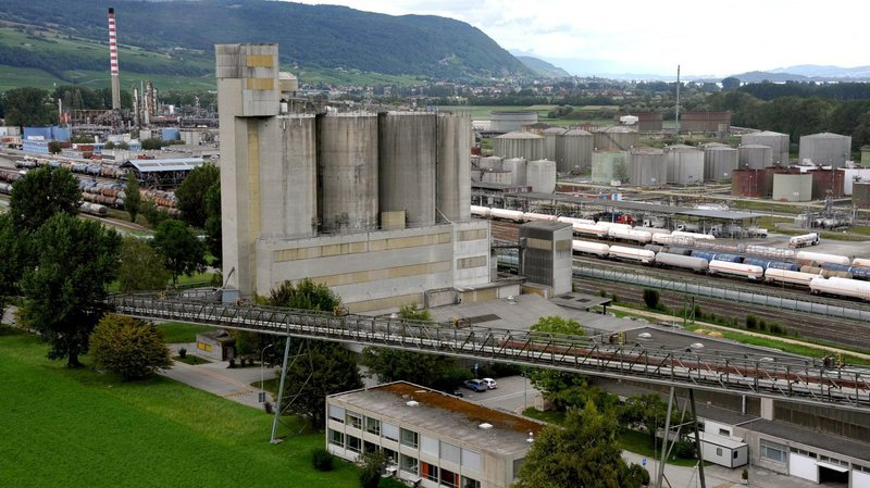 Malgré les inondations, la zone industrielle de Cressier continue de fonctionner