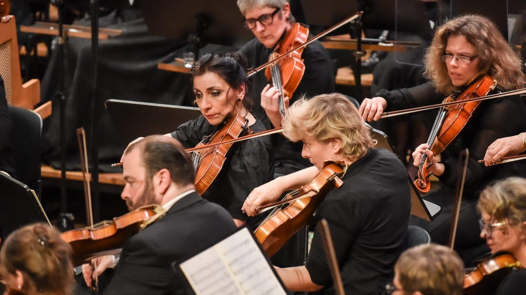 L'ESN interprétera des symphonies de Prokoviev, Schönberg et Mendelssohn.