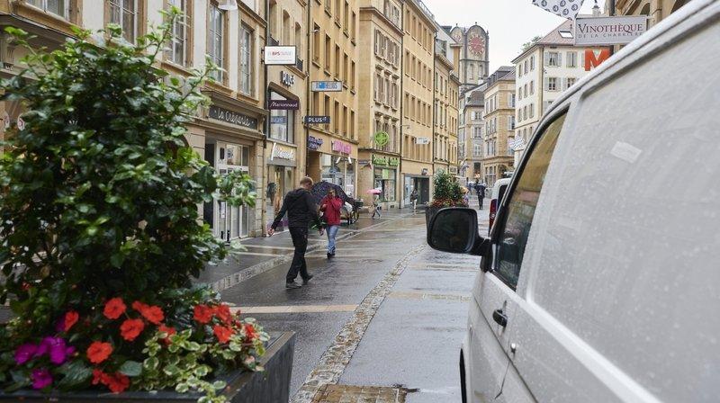 Neuchâtel: des bancs pivotants vont limiter l'accès à la zone piétonne
