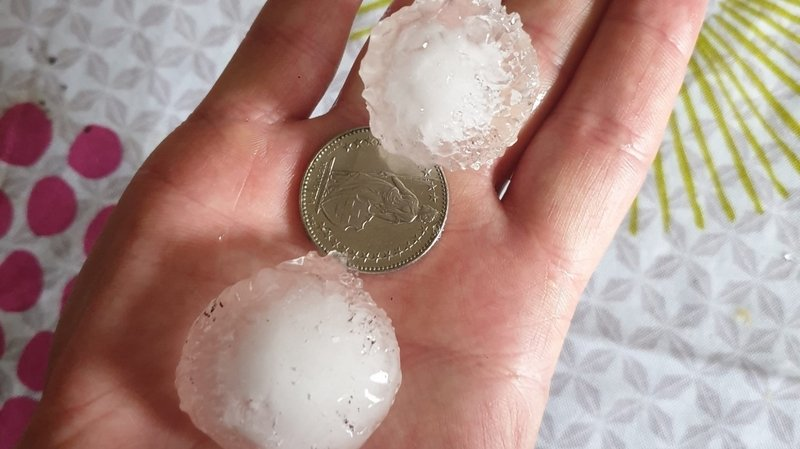 Grêle, orages et gros dégâts à La Chaux-de-Fonds