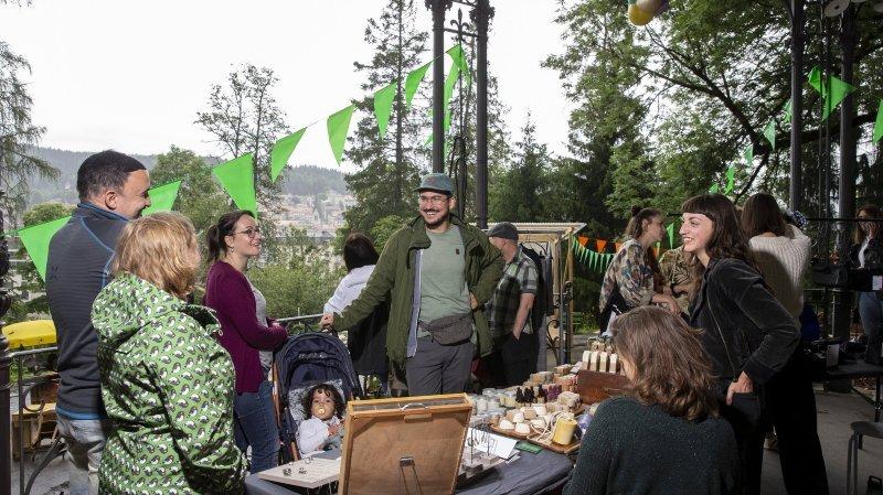 La Chaux-de-Fonds: il y a foule au kiosque cet été… quand la pluie ne s'invite pas