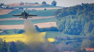 Avions de combat: la gauche lancera une initiative si les jets américains sont choisis