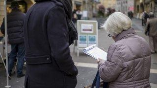 Référendums, initiatives: Neuchâtel pourrait interdire la rémunération à la signature