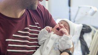 Le Parlement fédéral oublie de s'accorder un congé paternité: un Neuchâtelois en fait les frais