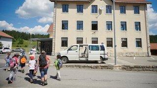 La Chaux-du-Milieu: gros déficit, mais l'école est momentanément sauvée