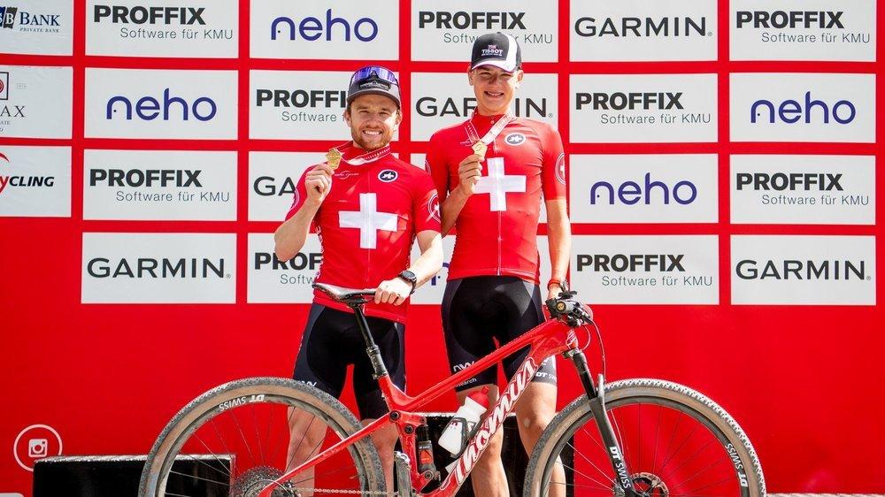 Mathias Flückiger et Alexandre Balmer (à droite), ici sur le podium de championnats de Suisse 2021, s'entendent bien.