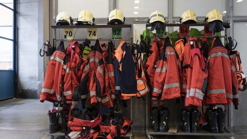 Il y a aujourd'hui quelque 80000pompiers en Suisse. Ils étaient 100000 il y a  dix ans, et 200000  il y a 20 ans.