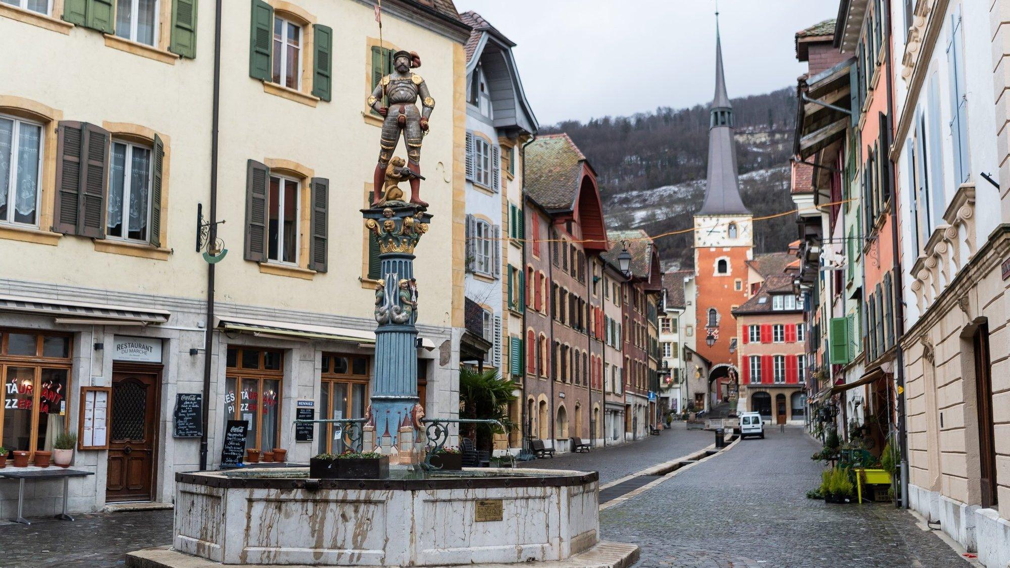 La Neuveville (ici son bourg médiéval) a reçu le statut de ville en 1318.