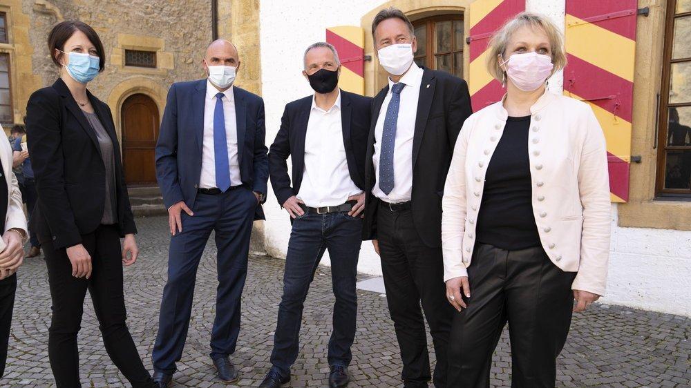 Crystel Graf, Laurent Favre, Laurent Kurth, Alain Ribaux et Florence Nater, de gauche à droite.