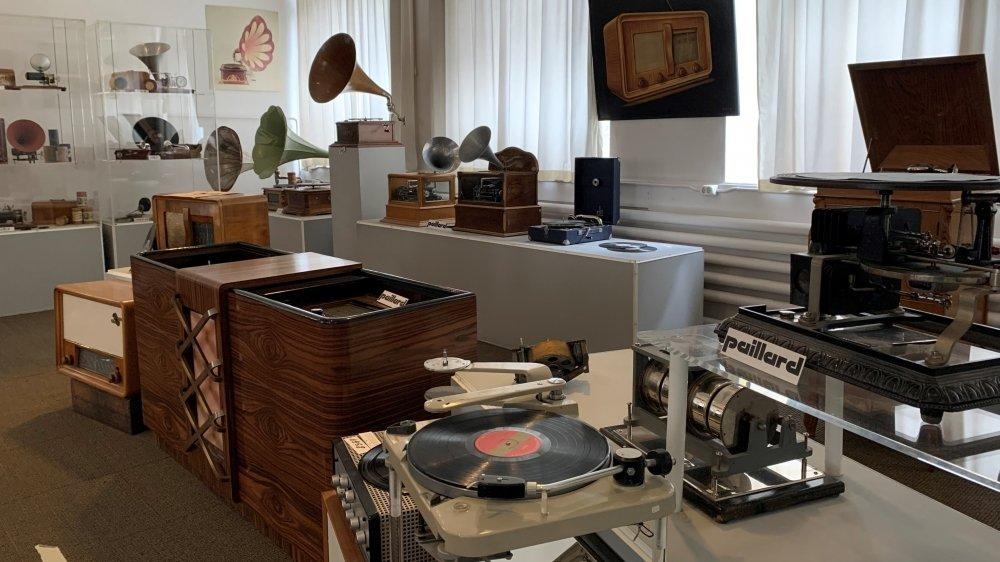 Le Cima abrite des automates et des boîtes à musique, mais aussi des machines à écrire, caméras et projecteurs… Autant de témoins du passé industriel de Sainte-Croix.
