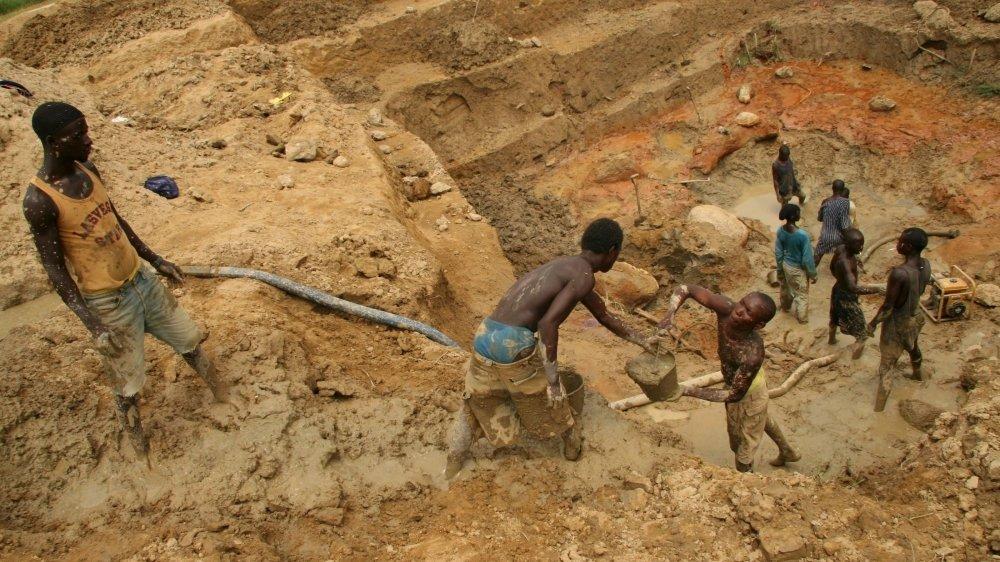 Le prévenu prétendait exploiter une mine de diamants en Afrique, comme ici en Sierra Leone (photo d'illustration).