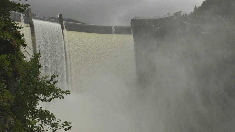 Intempéries: que d'eau au barrage du Châtelot!