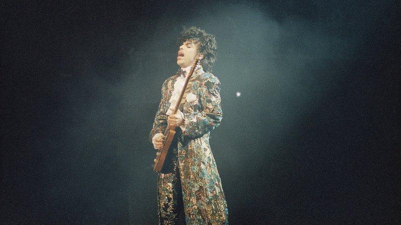 """Dans cet album qui sort le 30 juillet, Prince """"s'attaque directement à la condition de l'Amérique"""", explique Morris Hayes, qui a longtemps été son claviériste et son directeur musical."""