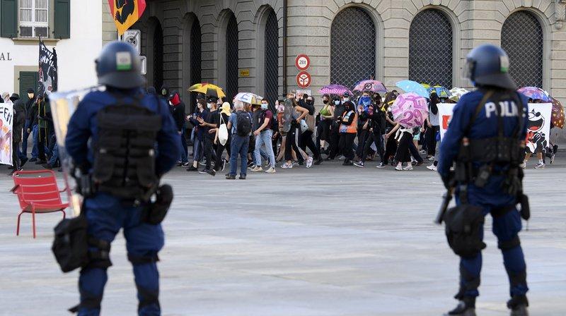 Quelque 700 manifestants contre les mesures anti-Covid à Berne